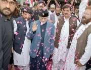 لاہور: پاکستان عوامی تحریک کے سربراہ ڈاکٹر طاہرالقادری کا علامہ اقبال ..