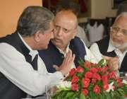 لاہور: تحریک انصاف کے مرکزی قائدین شاہ محمود قریشی، چوہدری محمد سرور ..