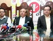 لاہور: صوبائی وزیر اطلاعات میاں مجتبیٰ شجاع الرحمن پریس کلب کی جانب ..