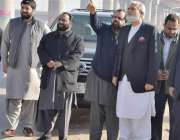 لاہور: سٹیئرنگ کمیٹی کے چیئرمین احمدحسان میٹرو ٹرین منصوبے کے تحت ڈیرہ ..