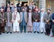 ایبٹ آباد: لوکل کونسل ایسوسی ایشن خیبر پختونخوا کے اجلاس کے بعد ممبران ..