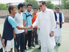 PESHAWAR: President Pakistan Tennis Federation Saleem Ullah Meeting with players during campus.