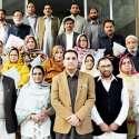 مظفر آباد: محکمہ تعلیم کے آفیسران کی میٹنگ کے بعد سیکرٹری تعلیم امجد پرویز کے ہمراہ گروپ فوٹو۔