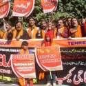 لاہور: رواداری تحریک کے زیر اہتمام آرمی پبلک سکول پشاور کو تین سال مکمل ہونے پر دہشت گردی کے خلاف پریس کلب کے باہر احتجاج کر رہے ہیں۔