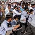 راولپنڈی: گورنمنٹ ضیاء العلوم ہائی سکول کے طلبہ مخدوش کمروں کی تعمیر رکوانے پر محکمہ اوقاف کے خلاف احتجاجی مظاہرہ کر رہے ہیں۔