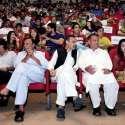 پشاور: نشتر ہال میں منعقدہ ٹیلی فلم پراجیکٹ پشاور میں لوگوں کی بڑی تعداد شریک ہے۔