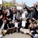 پشاور: الیکٹرک انسپکٹر انجینئر مطالبات کے حق میں احتجاجی مظاہرہ کر رہے ہیں۔