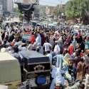 حیدر آباد: لیڈی ہیلتھ ورکرز کی طرف سے تنخواہیں نہ ملنے کے خلاف گدو چوک پر احتجاجی مظاہرہ کیا جار ہا ہے۔