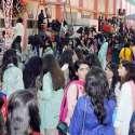 حیدر آباد: کاؤنٹی کیمبرج اسکول اینڈ گرلز کالج میں منعقدہ فن میلے میں رش کا منظر۔