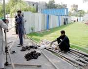 راولپنڈی: 13اگست کو لیاقت باغ میں جلسہ کے حوالے سے عمران خان کے لیے سٹیج ..
