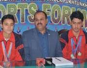 پشاور: صوابی سائیکلنگ ایسوسی ایشن کے صدر نثار احمد نیشنل سائیکلنگ چمپئن ..