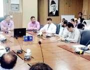 لاہور: سیکرٹری پرائمری اینڈ سیکنڈری ہیلتھ علی جان خان محکمہ کے افسران ..