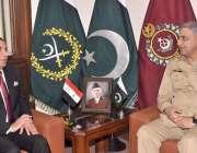 راولپنڈی: آرمی چیف جنرل قمر جاوید باجوہ سے عراقی وزارت دفاع کے جنرل ..