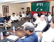 اسلام آباد: تحریک انصاف کے چیئرمین عمران خان بنی گالہ میں میڈیا سٹریٹیجی ..