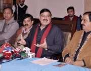 لاہور: پاکستان عوامی مسلم لیگ کے سربراہ شیخ رشید احمد اور عوامی تحریک ..