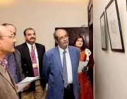 لاہور: گورنمنٹ کالج یونیورسٹی کے وائش چانسلر پروفیسر ڈاکٹر حسن امیر ..