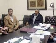 لاہور: انٹر نیشنل کوچ مسٹر برناڈموس سپورٹس بورڈ پنجاب میں ڈی جی سپورٹس ..