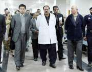 لاہور: سیکرٹری سپیشلائزڈ ہیلتھ کیئر اینڈ میڈیکل ایجوکیشن نجم احمد ..