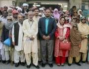 لاہور: کرن ویلفیئر فاؤنڈیشن کے زیر اہتمام شاہپور بھنگو سے آئے درجنوں ..