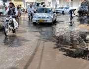 حیدر آباد: پریس کلب روڈ پر سیوریج کا پانی جمع ہے۔