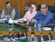 لاہور: وفاقی وزیر ریلوے خواجہ سعد رفیق ریلوے ہیڈ کوارٹرز آفس میں ریلوے ..
