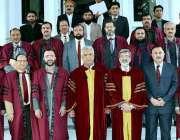 پشاور: گورنر خیبر پختونخوا اقبال ظفر جھگڑا کا خیبرمیڈیکل یونیورسٹی ..