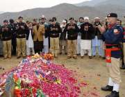 صوابی: ڈی آئی جی پنجاب ریجن طارق مسعود، پولیس افسران و اہلکاران شہید ..