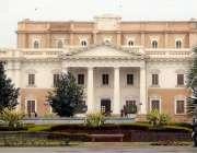 لاہور: باغ جناح میں واقع قائداعظم لائبریری کی عمارت کا خوبصورت منظر۔