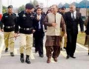 لاہور: صوبائی وزیر جیل خانہ جات ملک احمد یار ہنجرا ڈسٹرکٹ جیل اوکاڑہ ..