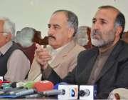 کوئٹہ: عوامی نیشنل پارٹی کے صوبائی صدر اصغر خان اچکزئی پریس کانفرنس ..