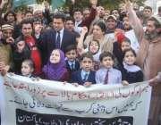 لاہور: متاثرین پختون برادری پنجاب ڈاکٹر یاسمین راشد کی قیادت میں اپنے ..