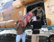 چترال: برفانی تودے کے متاثرین میں آرمی ہیلی کاپٹر کے ذریعے امدادی سامان ..