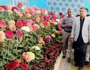کراچی: ڈپٹی میئر کراچی ڈاکٹر ارشد وہرہ بلدیہ وسطی کے تحت فتح باغ نارتھ ..