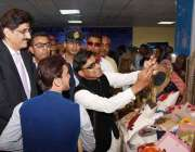 کراچی: ایبلٹیز ایکسپو میں خصوصی افراد وزیر اعلیٰ سندھ سیر مراد علی ..