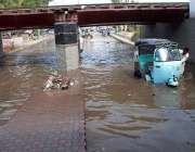حیدر آباد: ریل برج روڈ پر سیوریج کا پانی جمع ہے ، متعلقہ حکام کی توجہ ..