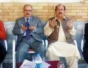 راولپنڈی: مشیر وزیر اعظم عرفان صدیقی، ڈاکٹر جمال ناصر لیگی رہنما چوہدری ..