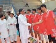 پشاور: چیف منسٹر خیبر پختونخوا نیشنل جونیئر والی بال چمپئن شپ کے موقع ..