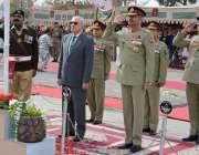 کوئٹہ: گورنر بلوچستان محمد خان اچکزئی اور کمانڈر سدر کمانڈ لیفٹیننٹ ..