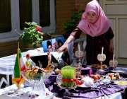 کوئٹہ: خانہ فرہنگ ایران میں نوروز کے سلسلے میں لگائے گئے اسٹال کا ایک ..