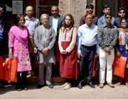 لاہور: بنگلہ دیشی میڈیا کے 10 رکنی وفد کا نیشنل کالج آف آرٹس کے دورے کے ..