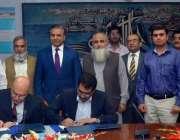 لاہور: واپڈا ہاؤس میں وارسک ہائیڈل پاور سٹیشن کی بحالی کے دوسرے منصوبے ..