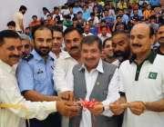 پشاور: سابق ورلڈ چمپئن قمر زمان کلے ہیروز سکواش چمپئن شپ کا باضابطہ ..