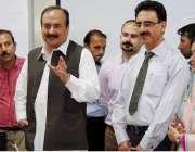 راولپنڈی: صوبائی وزیر تعلیم رانا مشہود احمد خاں اور رکن صوبائی اسمبلی ..