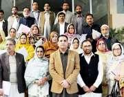 مظفر آباد: محکمہ تعلیم کے آفیسران کی میٹنگ کے بعد سیکرٹری تعلیم امجد ..