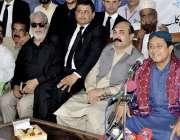 کراچی: کراچی پریس کلب میں مسلم لیگ (ن) کے صدر بابو سرفراز جتوئی پریس ..