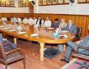 لاہور: وائس چانسلر پنجاب یونیورسٹی ڈاکٹر ظفر معین ناصر اپنے آفس کے ..