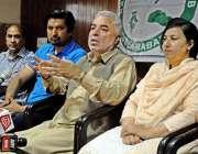 راولپنڈی: میئر سردار نسیم پریس کلب میں میٹ دے پریس سے خطاب کر رہے ہیں۔
