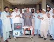 فیصل آباد: سبزی و فروٹ منڈی سدھار میں سولر پینل سسٹم لائٹس کے افتتاح ..