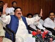 راولپنڈی: عوامی مسلم لیگ کے سربراہ شیخ رشید احمد پریس کلب میں پریس کانفرنس ..