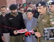 لاہور: سی سی پی او لاہور کیپٹن (ر) امین وینس نئی بلڈنگ کی تعمیر کے بعد ..